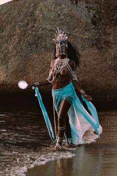 Black Women Art, Beautiful Black Women, Afro, Trill Art, Esoteric Art, Black Art Pictures, African American Artist, Festival Looks, Human Art