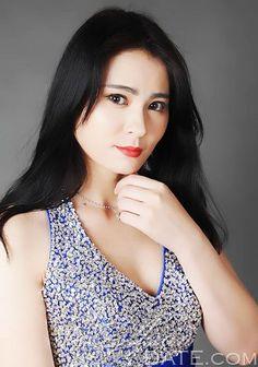 Centenas de mulheres deslumbrantes: mulher estrangeira Lingling