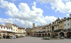 Greve in Chianti, Florence Italy Travel, Italy Trip, Bed And Breakfast, Florence, Places To See, Louvre, Mansions, House Styles, Building