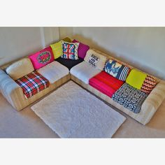 JIPSI BoHO: No Autographs Pleez - mix-matched sectional couch - cute!