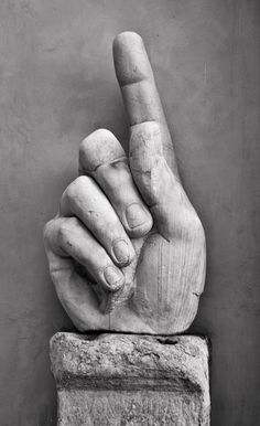 Hand of Constantine (Colossus), Rome, Italy  http://confinedlight.ca