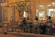 For Greeks, time with family and friends always comes first. | Community Post: 49 Reasons To Love Greece