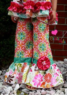 Download Rihanna's Flower Pants and Capris Sewing Pattern | Sewing Patterns | YouCanMakeThis.com