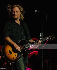 Singer/songwriter Daryl Hall of Hall and Oates performs at the Soles 4 Souls Benefit Concert at The Orleans Arena on July 30, 2007 in Las Vegas, Nevada.