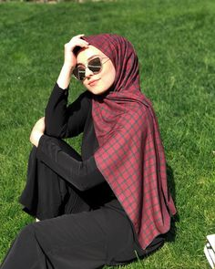 New style hijab casual simple ideas Hijab Casual, Hijab Chic, Modern Hijab Fashion, Muslim Fashion, Trendy Fashion, Trendy Style, Women's Fashion, Style Hijab Simple, Simple Outfits