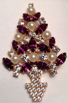 Signed Eisenberg Ice Vintage Sparkly Purple and Pearls Rhinestone Christmas Tree Brooch Pin