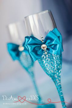 Turquoise bride and groom wedding  flutes champagne by DiAmoreDS