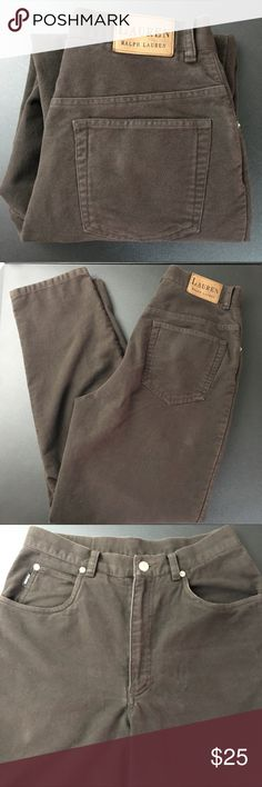 Ralph Lauren Jeans Women's Size 8 Brown Cotton Brand: Lauren Ralph Lauren  Condition: This item is in Good Pre-Owned Condition! There are NO Major Flaws with this item, and is free and clear of any Noticeable Stains, Rips, Tears or Pulls of fabric. Overall This Piece Looks Great and you will love it at a fraction of the price!  Material: 100% Cotton  Size: 8 💥Top Rated Seller 💥Top 10% Seller 💥10% Discount on Bundles  💥Super Fast Shipping Lauren Ralph Lauren Jeans Straight Leg