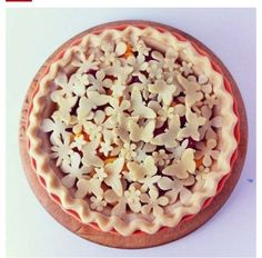 Amazing Pie Designs to Dress up Your Dessert . Pie Dessert, Dessert Recipes, Just Desserts, Delicious Desserts, Beautiful Pie Crusts, Pie Crust Designs, Pie Decoration, Pies Art, Cake Boss