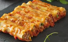 Recipe CazzBar Cafe Tuna & Sour Cream Cannelloni by Miss Cazz, learn to make this recipe easily in your kitchen machine and discover other Thermomix recipes in Pasta & rice dishes. Tuna Recipes, Greek Recipes, Italian Recipes, Pasta Recipes, Dinner Recipes, Cooking Recipes, Rice Recipes, Cooking Ideas, Cooking Time