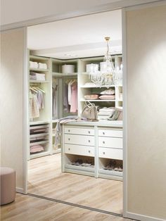 Luxus-Walk-in Closet – Luxury Dale Master Closet, Closet Bedroom, Walking Closet, Dressing Room, Decoration, House Design, Luxury, Storage, Closets