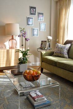 Table Decor Living Room, Eclectic Living Room, Coffee Table For Bedroom, Contemporary Living Room Furniture, Diy Bedroom Decor, Home Decor, Decoration, Accent Pieces, Clear Acrylic