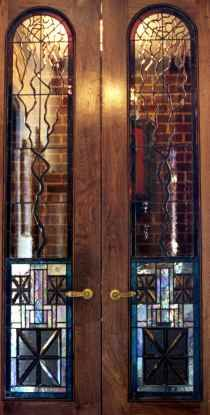 The iridized glass in this window blended beautifully with the surrounding colors. Leaded Glass, Beveled Glass, Glass Doors, Stained Glass Projects, Mediterranean Style, Art Decor, Home Decor, Colored Glass, Glass Art