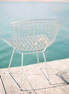 SELENCY : Home garden / White bertoia chair / swimingpool / outside / outdoor