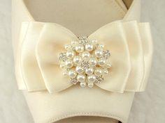 Clips+de+chaussure+mariée+Satin+Bow+clips+de+par+daisyclub+sur+Etsy,+$32.00