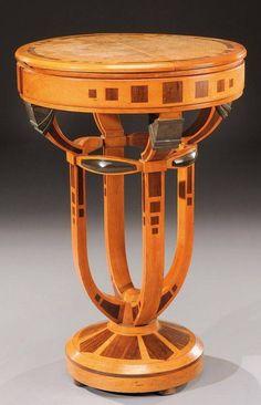 Mahogany & exotic wood Veneer Pedestal Table, made in Belgium, 1930