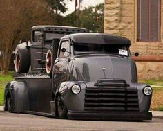 Chevy trucks aficionados are not just after the newer trucks built by Chevrolet. They are also into oldies but goodies trucks that have been magnificently preserved for long years. Rat Rod Trucks, Rat Rods, Diesel Trucks, Gmc Trucks, Cool Trucks, Pickup Trucks, Jeep Pickup, Tow Truck, Custom Trucks