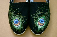 Peacock Tom  I supply the Tom by ShoeTrip on Etsy, $89.00