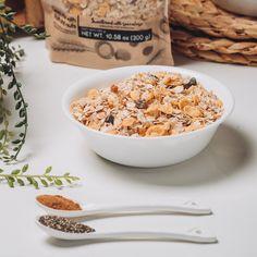 """""""Crocante, balanceado, más suave que una granola y con un sabor especial""""…  Así se expresan los que ya han probado la textura del NUEVO Mix de Ceresales #CUMEY.  Puro sabor de la naturaleza, para ¡gente real!. . #tasty #cereal #desayuno #happy #avena  . Un producto con el sello @pronalce Breakfast, Food, Grains, Oatmeal, Texture, Naturaleza, Morning Coffee, Essen, Eten"""
