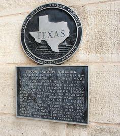 City of Round Rock in Texas Interesting information. Round Rock Texas, Railroad Companies, Victorian Buildings, Interesting Information, Donuts, Markers, City, Usa, Historia