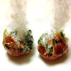 「味噌玉」ってご存知ですか?とっても簡単に自分で作れちゃうインスタント味噌汁なんです!具材のアレンジも自由自在で、なんと1杯は数円。節約にもなって、健康にも良いなんて嬉しいですよね♡今回はそんな「味噌玉」のレシピをご紹介します♫