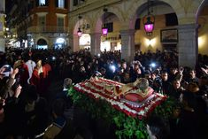 Splendour, theatricality, music, devotion and religious feeling, do make Easter in Corfu the one and only! A true super show with tens. Holy Monday, Holy Saturday, Holy Thursday, Funeral March, Corfu Town, Catholic Diocese, Greek Easter, Corfu Greece, Church Music