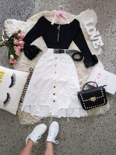 Girls Fashion Clothes, Teen Fashion Outfits, Edgy Outfits, Modest Outfits, Cute Fashion, Fashion Dresses, Moda Fashion, Cute Skirt Outfits, Cute Comfy Outfits