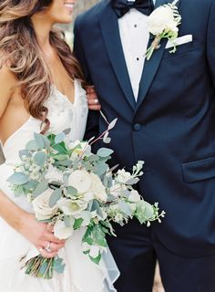 Rustic ranunculus, rose and eucalyptus wedding bouquet: http://www.stylemepretty.com/2015/07/13/rustic-elegant-jacksonville-wedding/ Photography: Lauren Peele - http://www.laurenpeelephotography.com/