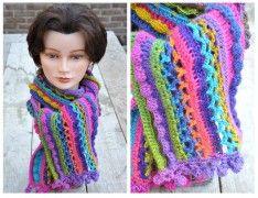 Lekker kleurrijk de lente tegemoed met deze vrolijke gehaakte sjaal