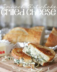 Comfort food at it's finest!  I NEED this today!  Spinach Artichoke Grilled Cheese ---> click for recipe #comfortfood #grilledcheese #recipe