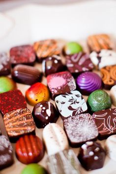 Gorgeous Christopher Elbow Chocolates, one of my favorite chocolatiers. I Love Chocolate, Chocolate Art, Chocolate Lovers, Chocolate Fondue, Yummy Treats, Sweet Treats, Yummy Food, Chocolate Candy Recipes, Artisan Chocolate