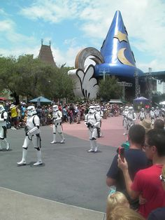 Star Wars Parade     #Star Wars# is amongst the best motion pictures ever, so why not have a