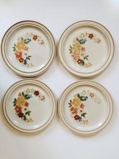 Vintage 1970s Floral Plates  Set of 4 by foxesandrabbitsshop