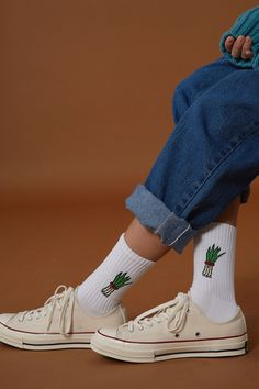 Ader error - green onion socks sock in 2019 fashion, socks, sock shoes. Look Fashion, 90s Fashion, Fashion Design, Fashion Trends, Estilo Converse, Sup Girl, Looks Style, My Style, Fashion Bubbles