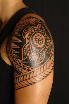 Polynesische-Maori-Tattoos mann-oberarm-schildkroete