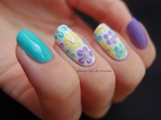 Flower Nail Designs- hot spring colours