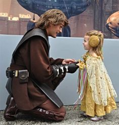 Tiny Padme and Anakin. Oh my goodness. This is the cutest thing I've ever seen.