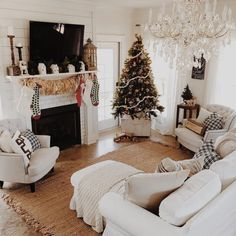 Elegant Christmas Decoration Ideas For Your Living Room — Home Design Ideas Christmas Living Rooms, Cozy Christmas, Xmas, Christmas Trees, Primitive Christmas, Christmas Quotes, Country Christmas, Outdoor Christmas, Simple Christmas