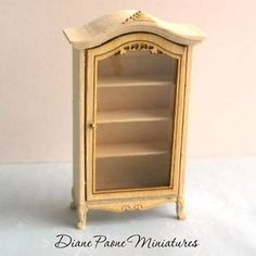 1128S Dollhouse Miniature Unfinished HALF Scale 1:24 Hutch