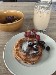 Panna Cotta, Pancakes, Meals, Coffee, Drinks, Ethnic Recipes, Food, Kaffee, Drinking