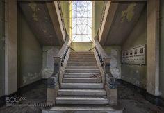 symmetrical ascent by LichtGespiele