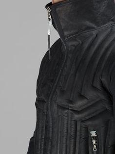 ISAAC SELLAM MEN'S BLACK INFLATABLE PADDED VEST - detail