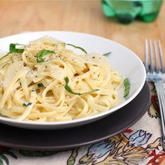 Tracey's Culinary Adventures: Linguine with Two-Cheese Sauce