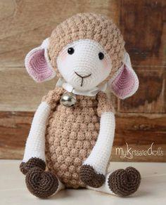 Bé cừu đeo chuông cực kì xinh đẹp, bé có bộ lông thật đặc biệt móc mũi hạt bắp, mũi này tuy móc hơi lâu và mỏi