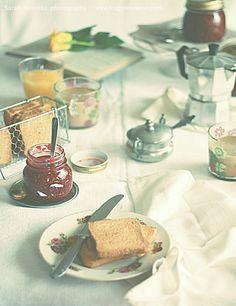 Breakfast with my raspberries and vanilla jam - Sarah Brunella photography