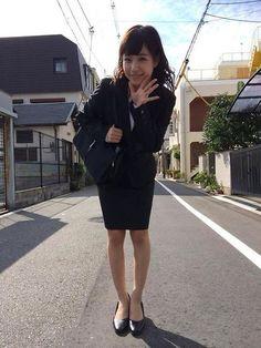 画像 : 【厳選画像!】美人OL【素敵!】 Beautiful Office Lady マニア - NAVER まとめ Girls Uniforms, Just Girl Things, Nice Legs, Office Ladies, Skirt Suit, Pencil Dress, Girls Wear, Korean Fashion, Womens Fashion