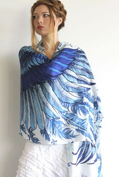 Wrap yourself in beauty with this gorgeous scarf. It is silk and hand painted. Boho Fashion, Fashion Beauty, Fashion Outfits, Womens Fashion, Pretty Outfits, Cool Outfits, Summer Outfits, Ways To Wear A Scarf, 2016 Fashion Trends
