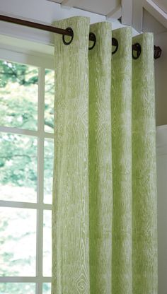 PIstachio Green Wood Grain Grommet Drapery Panel- this light green color is ideal for Spring decor! #spring #homedecor #windowtreatments