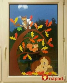Terrific Snap Shots preschool crafts september Suggestions This website provides SO MANY Kids crafts that are acceptable for Toddler plus Tots. I thought it was period to take t Fall Window Decorations, Fall Classroom Decorations, Decoration Creche, School Decorations, Fall Decor, Fall Arts And Crafts, Easy Fall Crafts, Fall Crafts For Kids, Diy And Crafts