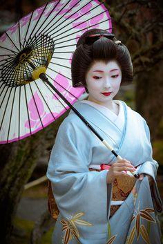 geiko 芸妓 Miayagawacho 宮川町 Toshimana とし真菜 KYOTO JAPAN